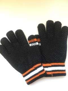 🚚 冬季黑手套