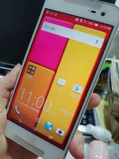 🚚 HTC 蝴蝶2(白色)