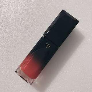 Cle De Peau Radiant Liquid Rouge - Deco 16