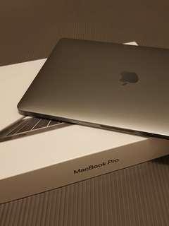Nestor Ke 9月10日上午11:52 特規MacBook Pro 13-inch : 2.3GHz dual-core i5, 256GB - Space Grey (Z0UK0001J)