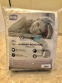 Simmons new mattress protector king size (retail price $249