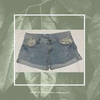 Laced Maong Shorts