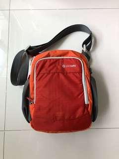 Pac Safe anti-theft travel gear cam safe series Camera Bag