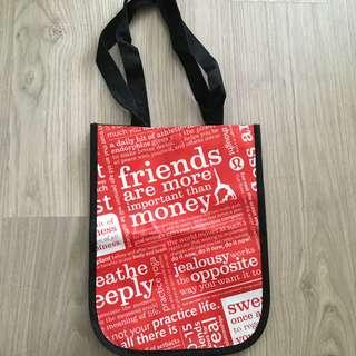 Lululemon shopping bag