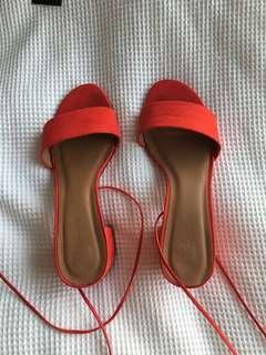 'Glassons' tie up heels