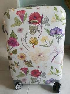 Mamonde Floral Luggage