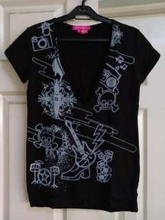 Black low front shirt