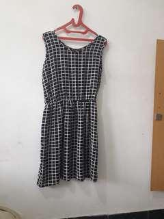 Dress Original Gatsoune Hitam Putih Free ongkir