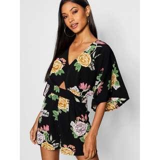 🚚 Boohoo Floral Kimono Sleeve Playsuit