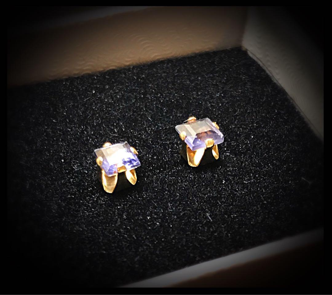 14 kt gold and lolite stud earrings