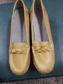 🚚 全真皮OIO全新娃娃鞋