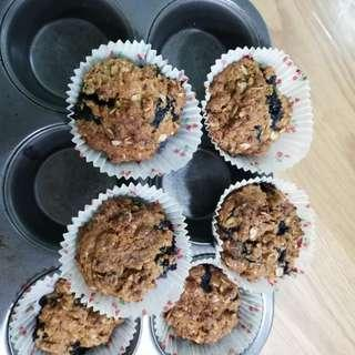 Blueberry or raisin oats lactation muffins