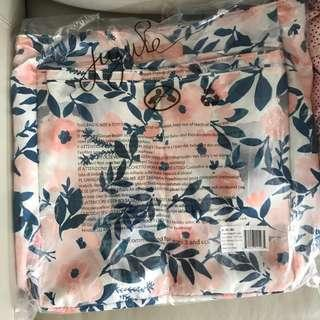 BNWOT Whimsical Watercolour Be Light Grey Lining