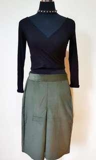 BUNDLE SKIRT AND CROPPED LONGSLEEVE (1)