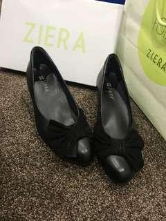 Size 8 Shoes comfy flats