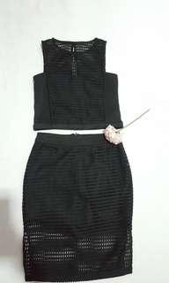 [New & free delivery]Black crop top with both side slit skort(size S)