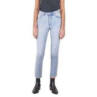 NEW NEUW BRAND high waisted STRAIGHT LEG JEANS