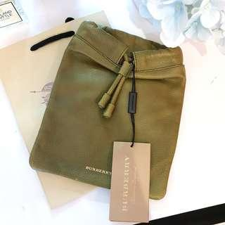 NEW Burberry Women's Tech Soft Drawstring Pouch Case for Cosmetics or Lunch (Dark Citrine Green) [SLIGHTLY DEFECTIVE]