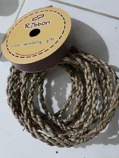 Bahan craft (tali pandan dan pita)