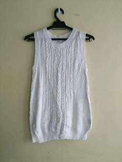 Uniqlo Sleeveless Knitwear