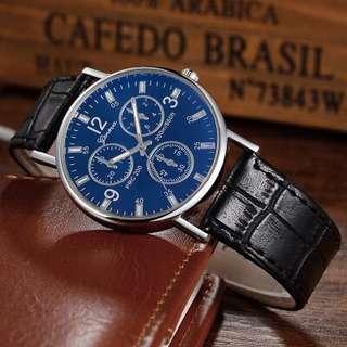 🚚 中性藍光仿三眼手錶
