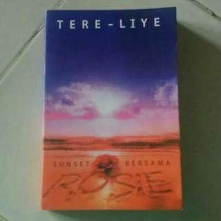 Novel No ORI Tere liye - Sunset bersama rosie