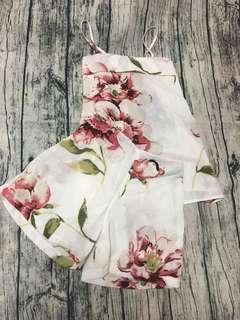 🚚 雪紡 套裝 細肩 上衣 短褲 花朵 可換物