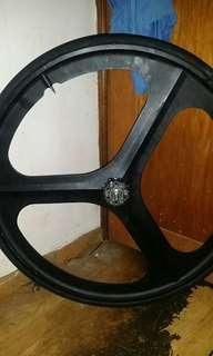 Trispoke back wheel