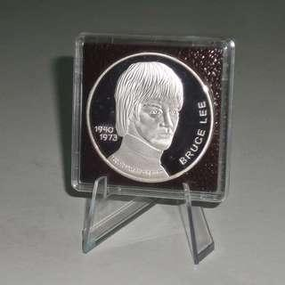 Rare Bruce Lee 1 oz .999 Fine Pure Silver Commemorative Coin 90's USA JKD Emblem With Display Stand Last