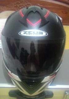 ZEUS 全罩安全帽 + MOTO A1藍芽通訊器