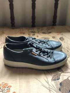 Pre owned AUTHENTIC ECCO