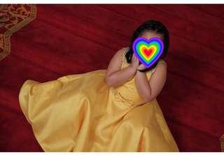 Kids yellow gown