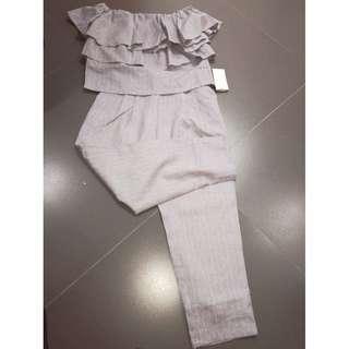 New Japan off shoulder ruffle top + Capri pants