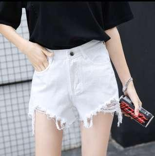 ✨ white denim highwaisted frayed distressed ripped shorts // instock