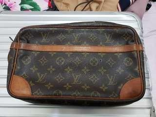 Auth used Louis Vuitton clutch