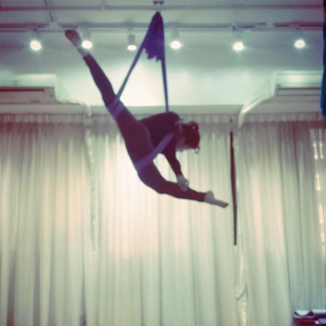 一對一私人 空中瑜珈班 private aerial yoga class