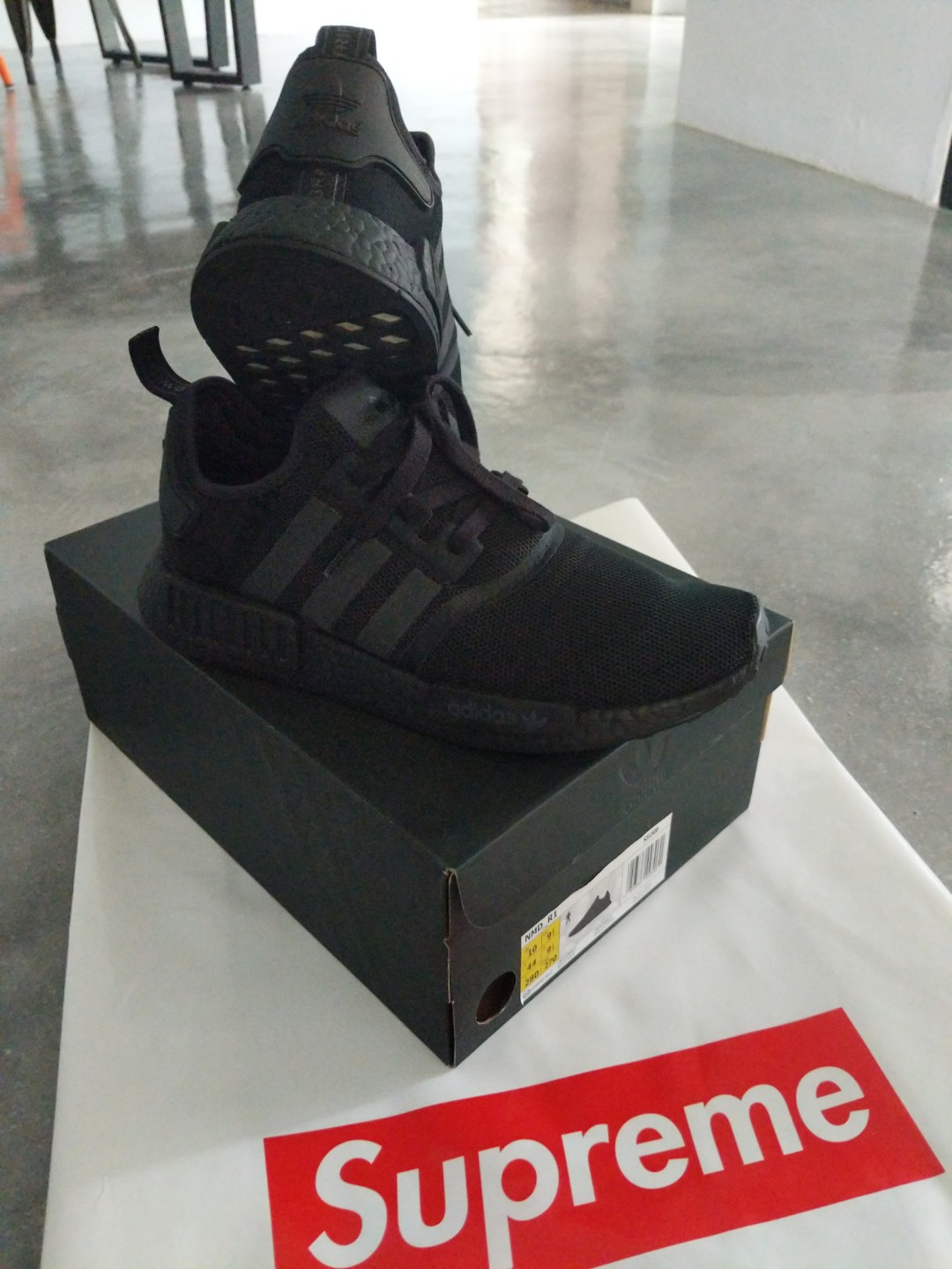 117bf057fd55c Great Steal Adidas NMD R1 Triple Black