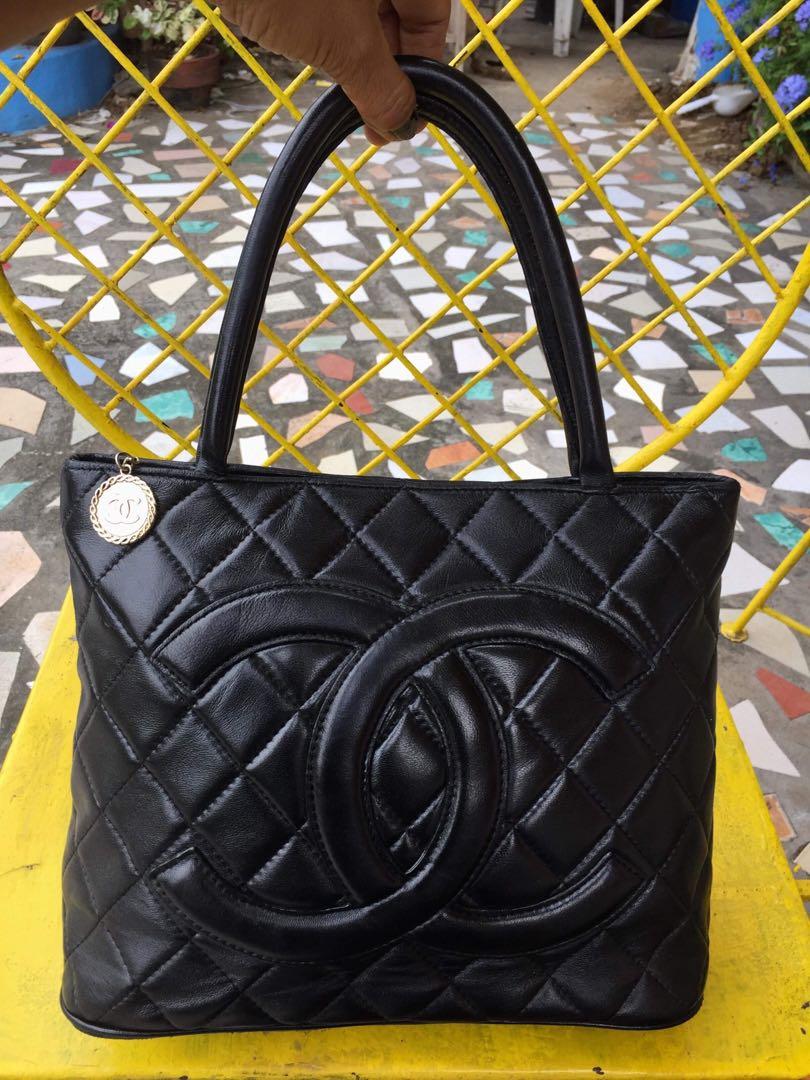 374e3a1fba39 Authentic Vintage Chanel Medallion, Luxury, Bags & Wallets, Handbags ...