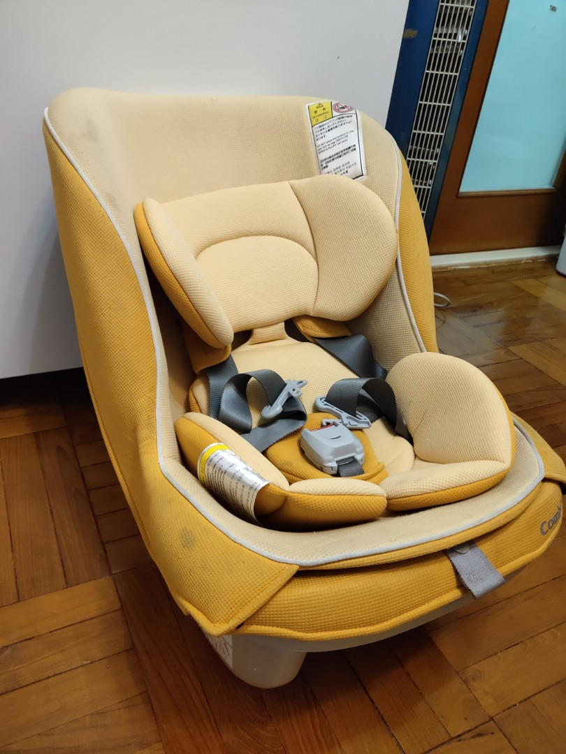 Combi Coccoro Car Seat With Infant Insert Babies Kids Parents