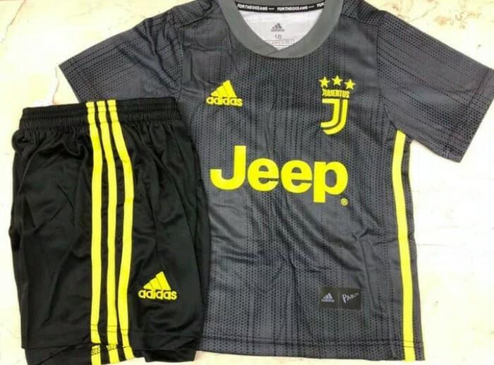 39fcd3014 Juventus kids 18  19
