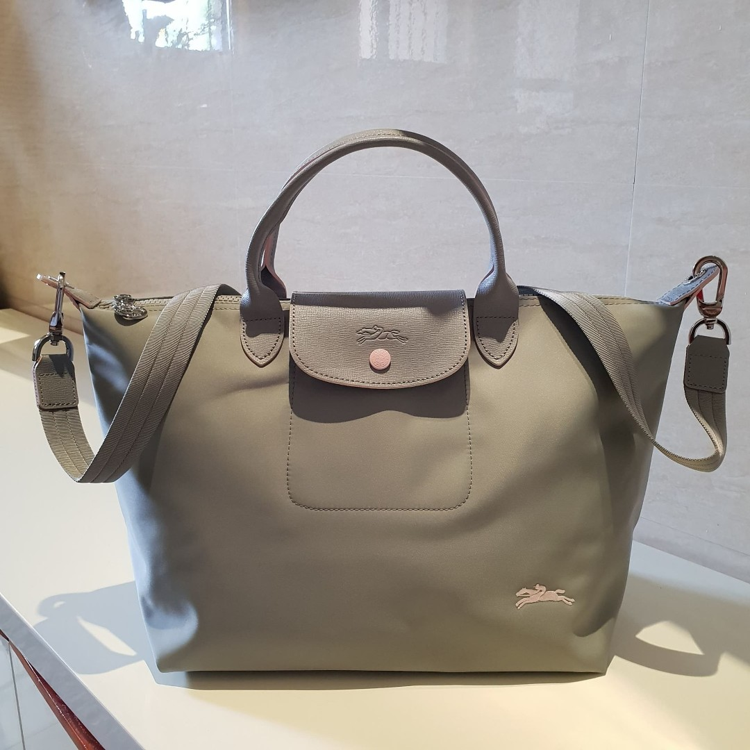 Longchamp Made in France Le Pliage Medium Club - Gray d384c75453ff1