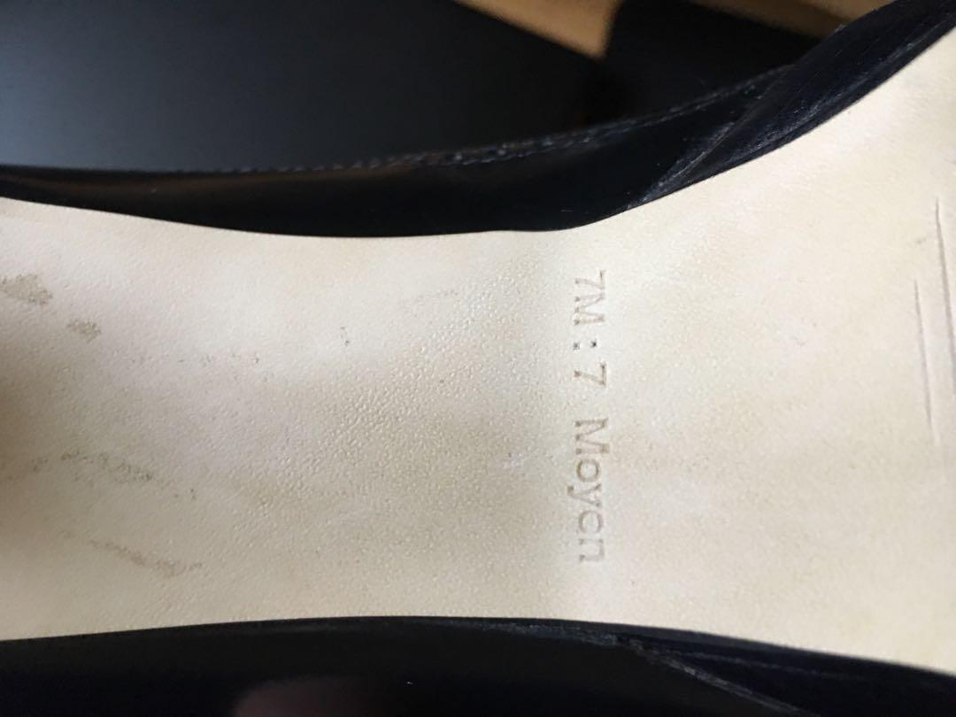 Marc Fisher size 7 open toe black blue pump
