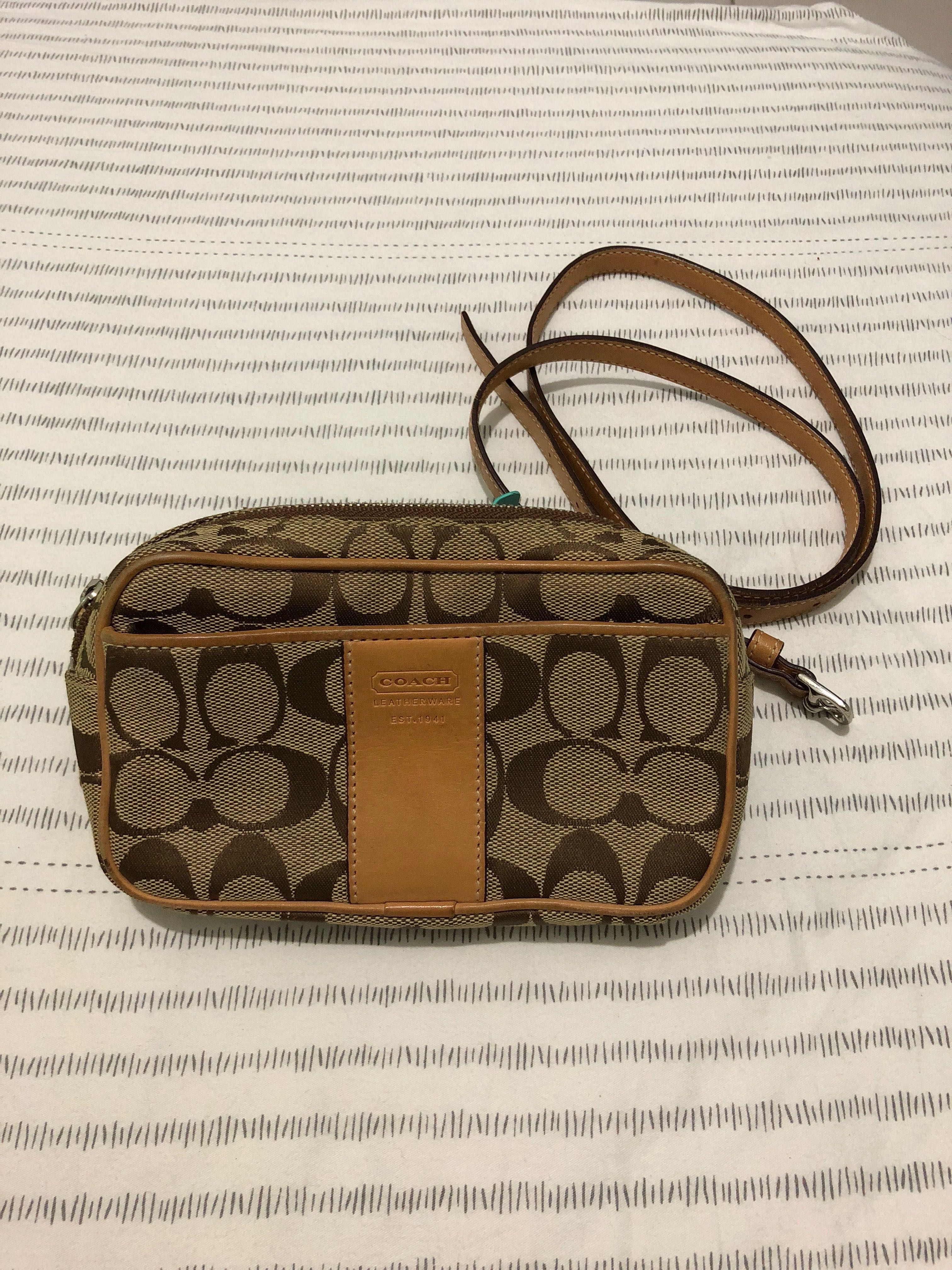 18522d561212 NO TRADE!) Coach Waistpouch, Luxury, Bags & Wallets, Others on Carousell