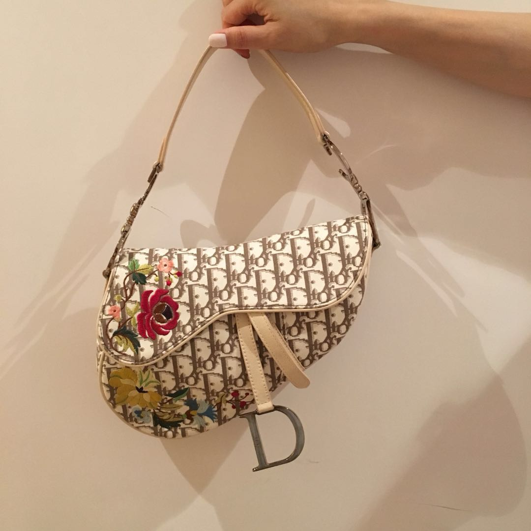 e20221f4a1 Vintage Christian Dior Beige Monogram Flower Embroidered Saddle Bag ...