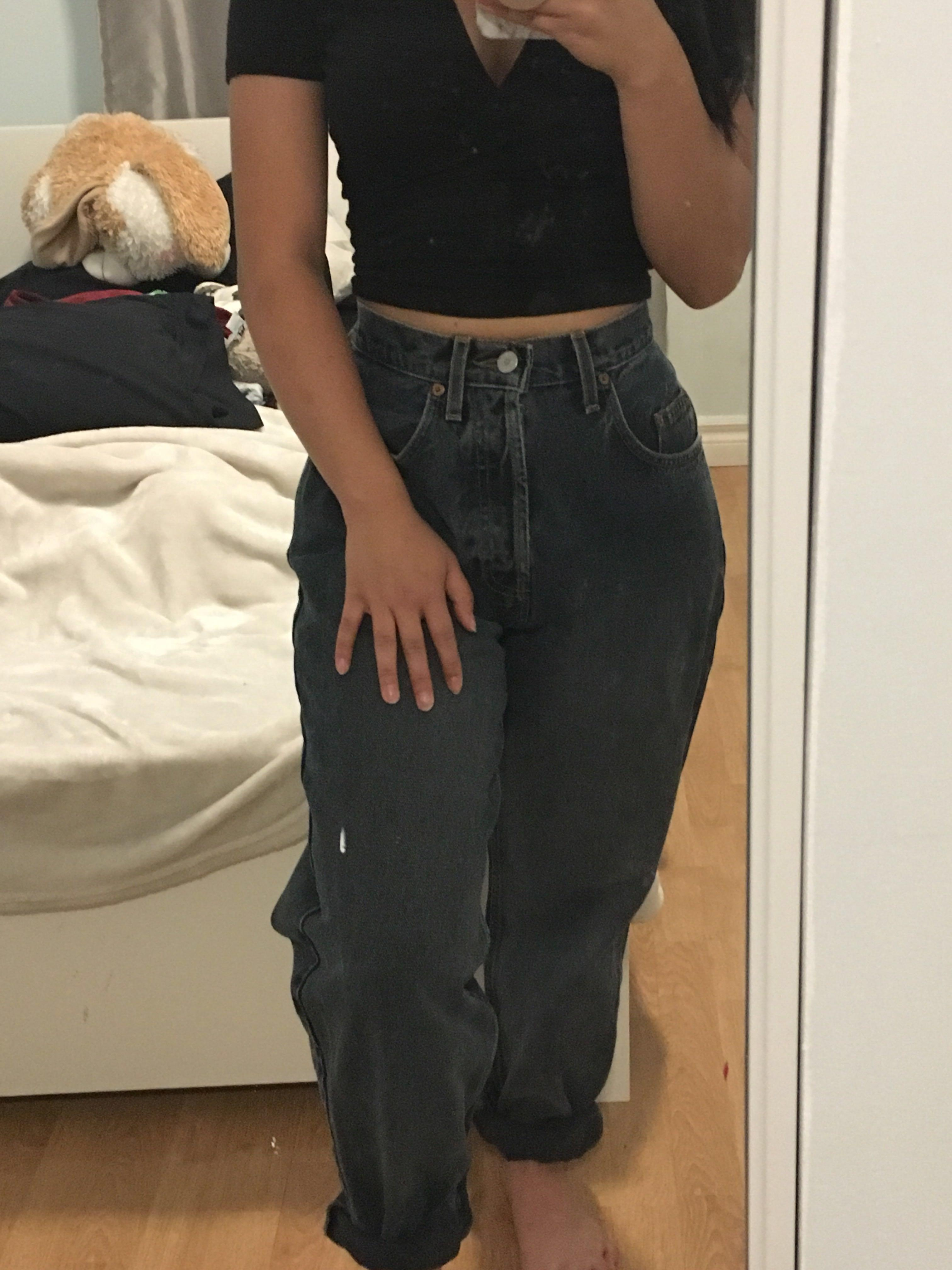 Vintage GUESS high waisted jeans in black with grey undertones