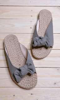Abaka Slip on Slippers 102