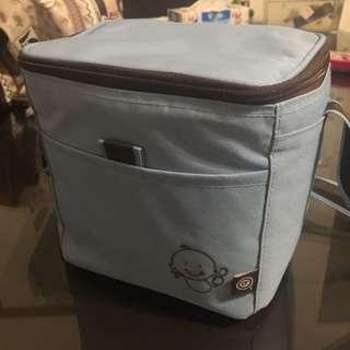 Baby bottle/ good carrier (include postage)