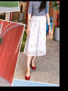 Lowrys Farm 淡紫粉碎花褲裙平口上衣