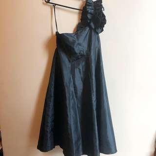 Ginger lily brand preloved one sided black dress P400 only :) free size but I think will fit small to medium no specific measurements