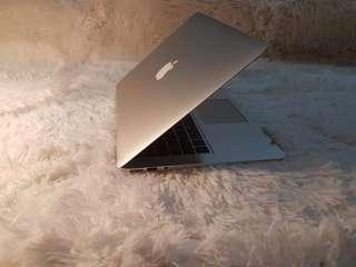"""Macbook Air 13"""" Mid 2013 With Box (Rush!! Rush!!)"""